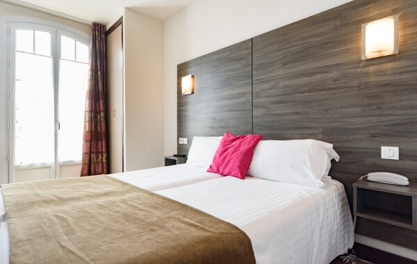 HOTEL-LE-21-TWIN-600x380_1_1
